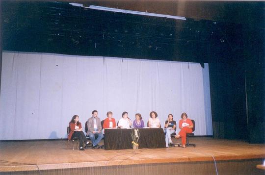Mesa com relatores dos GTs
