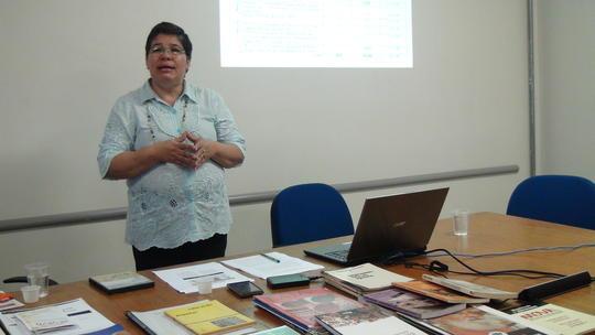 Profª Maria Emilia (UFG) -  Sistematização de material de Educação Popular