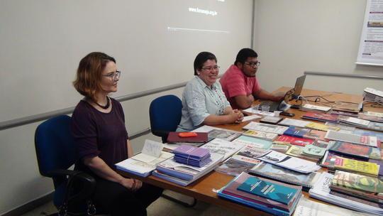 Profª Márcia dos Santos Ferreira (UFMT), Profª Maria Emilia (UFG) e Mestrando Jefferson (UFMT)
