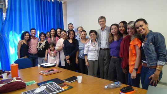 Final das apresentações com a equipe CMV - GO, alguns participantes e palestrantes